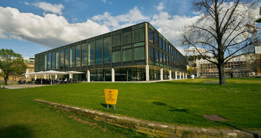 Blick auf das Landtagsgebäude in Stuttgart