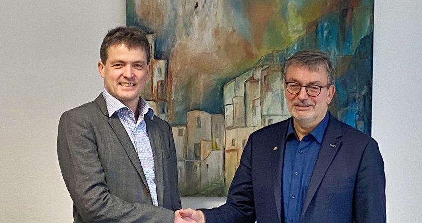 Bürgermeister Ernst und MdL Hans-Peter Behrens vereinbaren gute Zusammenarbeit und regelmäßigen Austausch