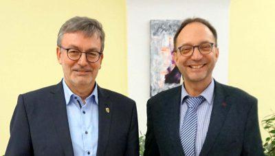 Bürgermeister Helmut Pautler und Hans-Peter Behrens treffen sich zum Abstimmungsgespräch